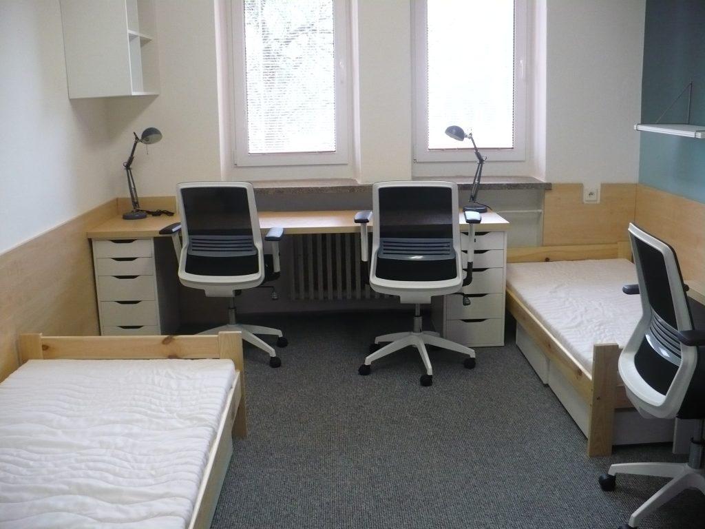 Tento obrázok nemá vyplnený ALT popisok, jeho názov je izba-ŠI-2-1024x768.jpg
